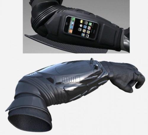 Перчатка для мордобоя с айфоном