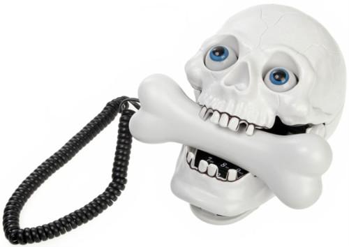 Телефон в виде черепа