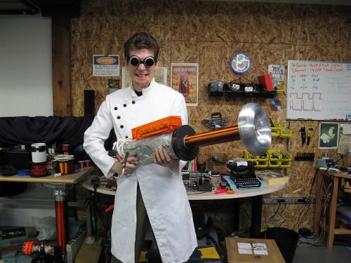 Первая реально действующая пушка Тесла