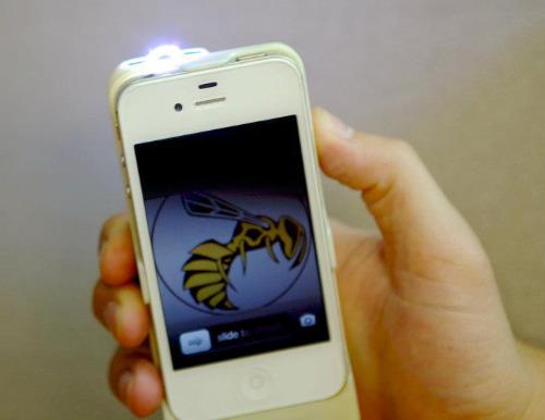 Чехол для айфона со встроенным электрошокером