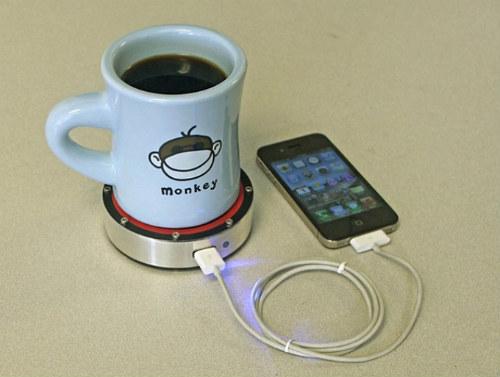 Как зарядить гаджет чашкой чая