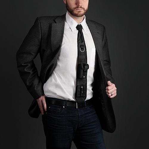 Тактический галстук для офиса с лазерной указкой